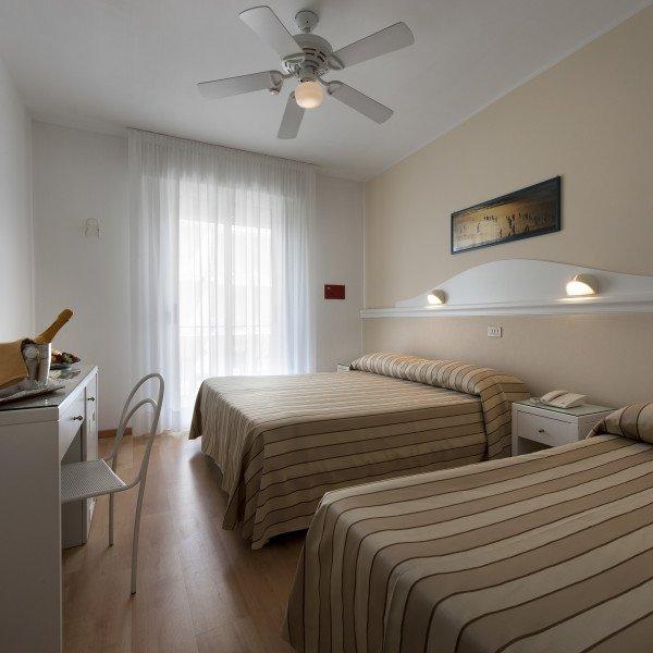 Camera Tripla - Hotel Miami * * *
